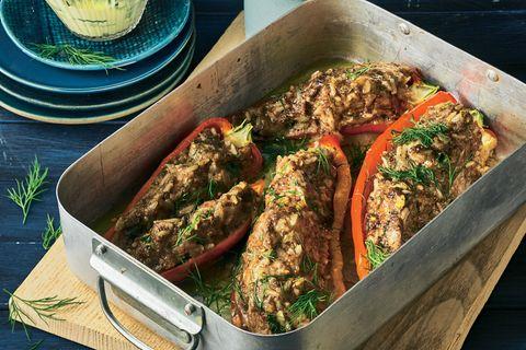 Gefüllte Spitzpaprika mit Gurken-Safran-Salat