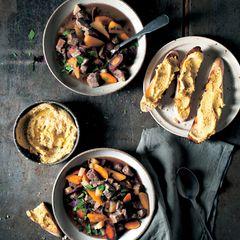 Irish Stew und Hummus-Crostini