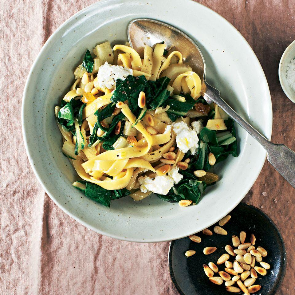 Pasta mit Mangold und Ricotta