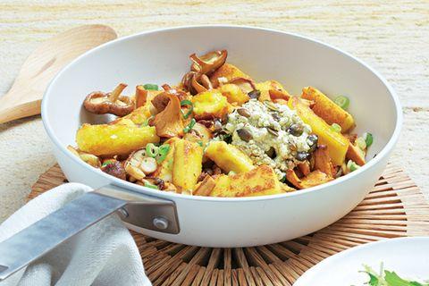 Polenta-Gröstl mit Pilzen & Hüttenkäse