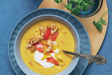 Curry-Hühnersuppe mit Paprika