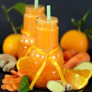 Warmer Smoothie mit heißer Orange, Ingwer und Möhre