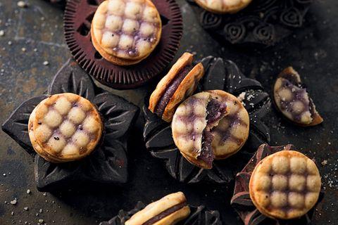 Keksrezept für Butterplätzchen mit Punsch-Marzipan