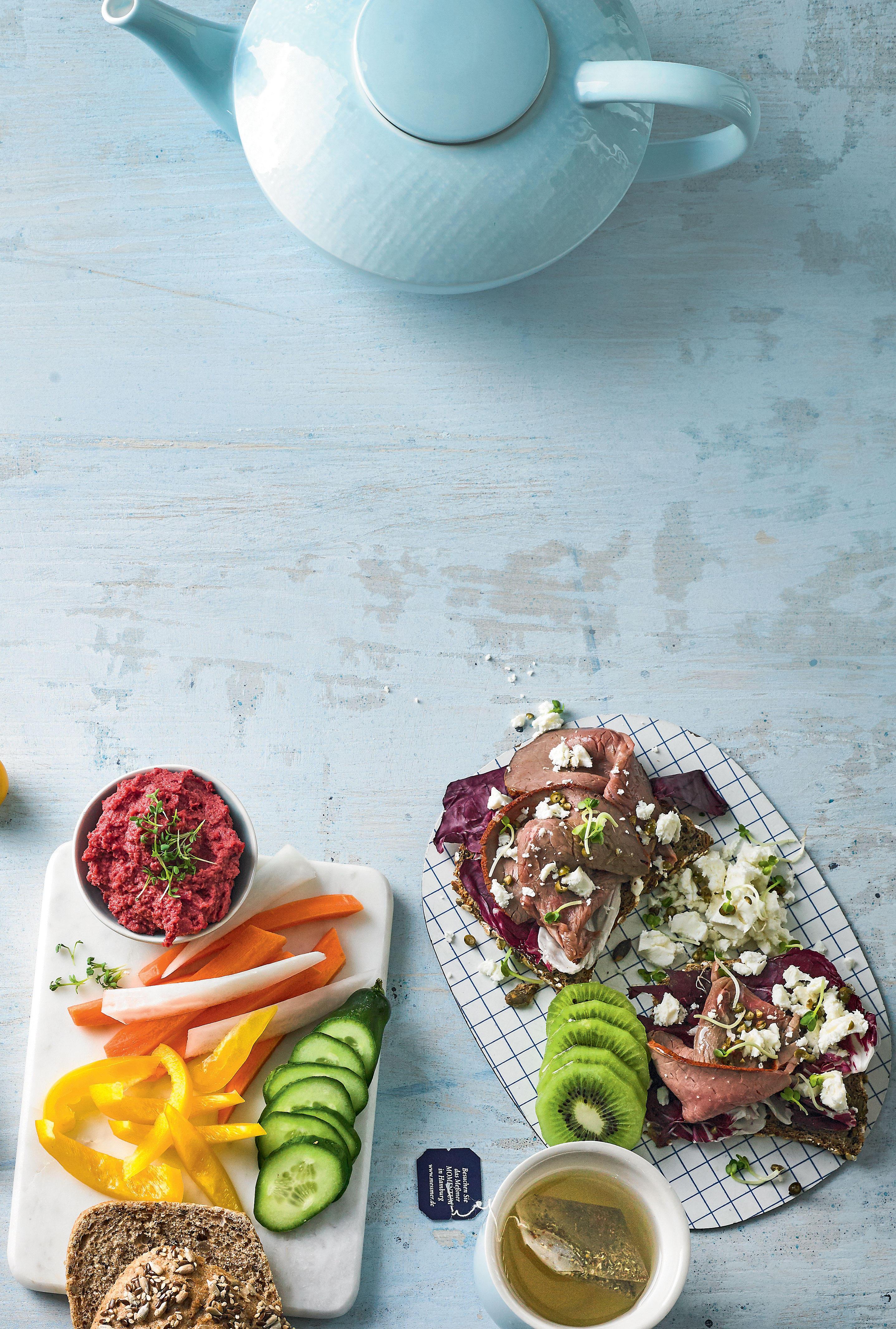 Gemüse-Dipper mit scharfem Hummus