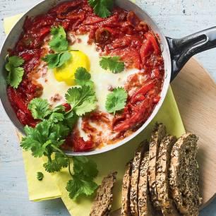 ei, tomatensuppe, kräuter, brötchen