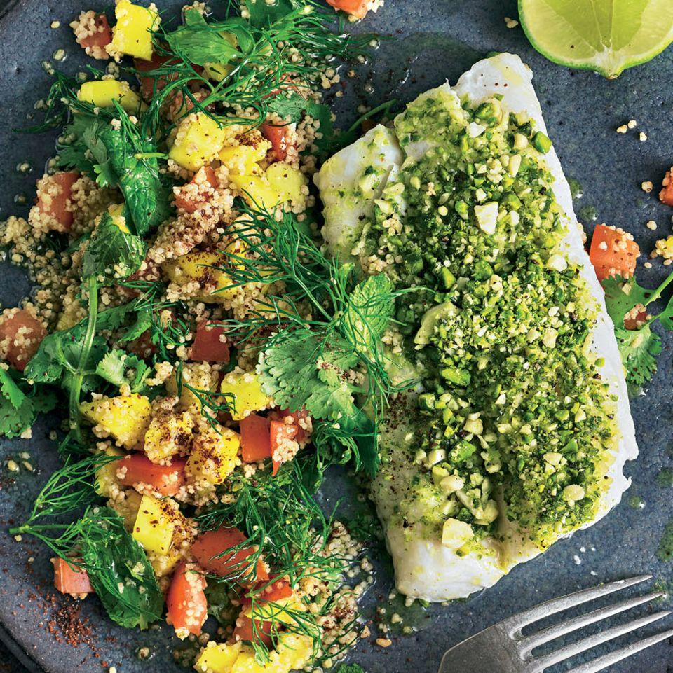 Kabeljau mit Pistazien-Kruste und Mango-Couscous-Salat