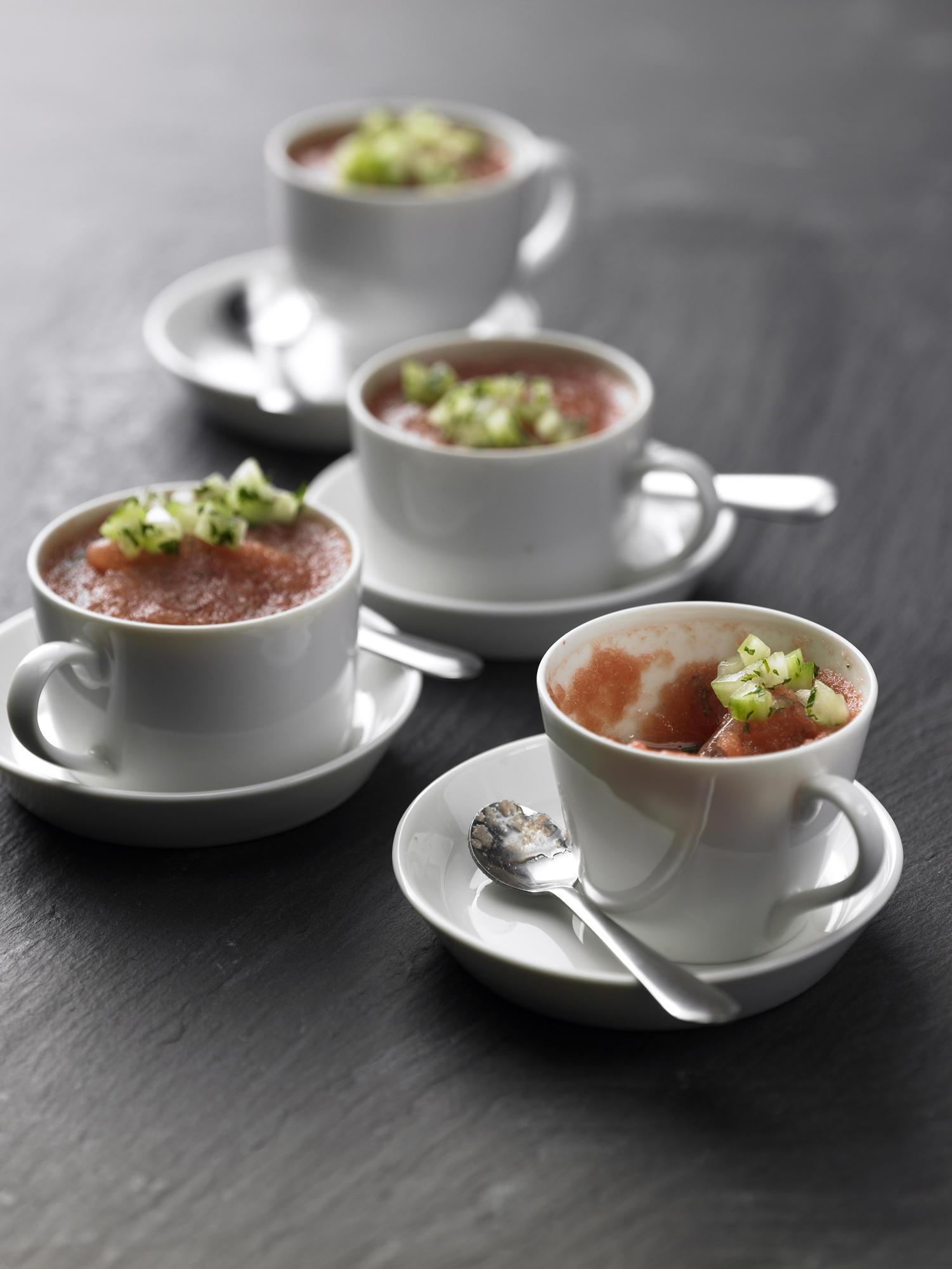 sommerk che gazpacho und co kalte suppe f r den sommer. Black Bedroom Furniture Sets. Home Design Ideas