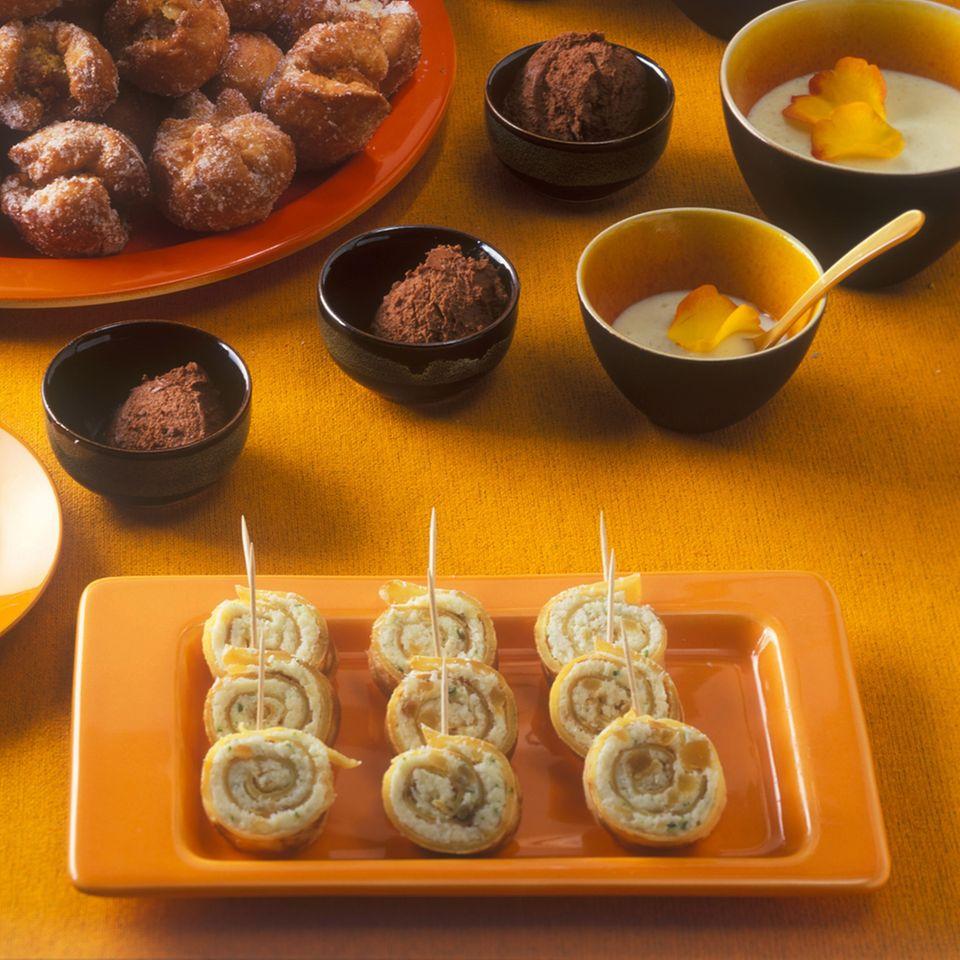 Pfannkuchenröllchen mit Kokosfüllung