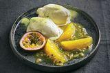 matcha-softeis-mit-maracuja-orangen-soße