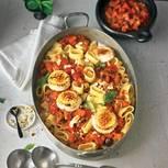 Calamarata-Nudeln mit Gemüsesugo und Ziegenkäse