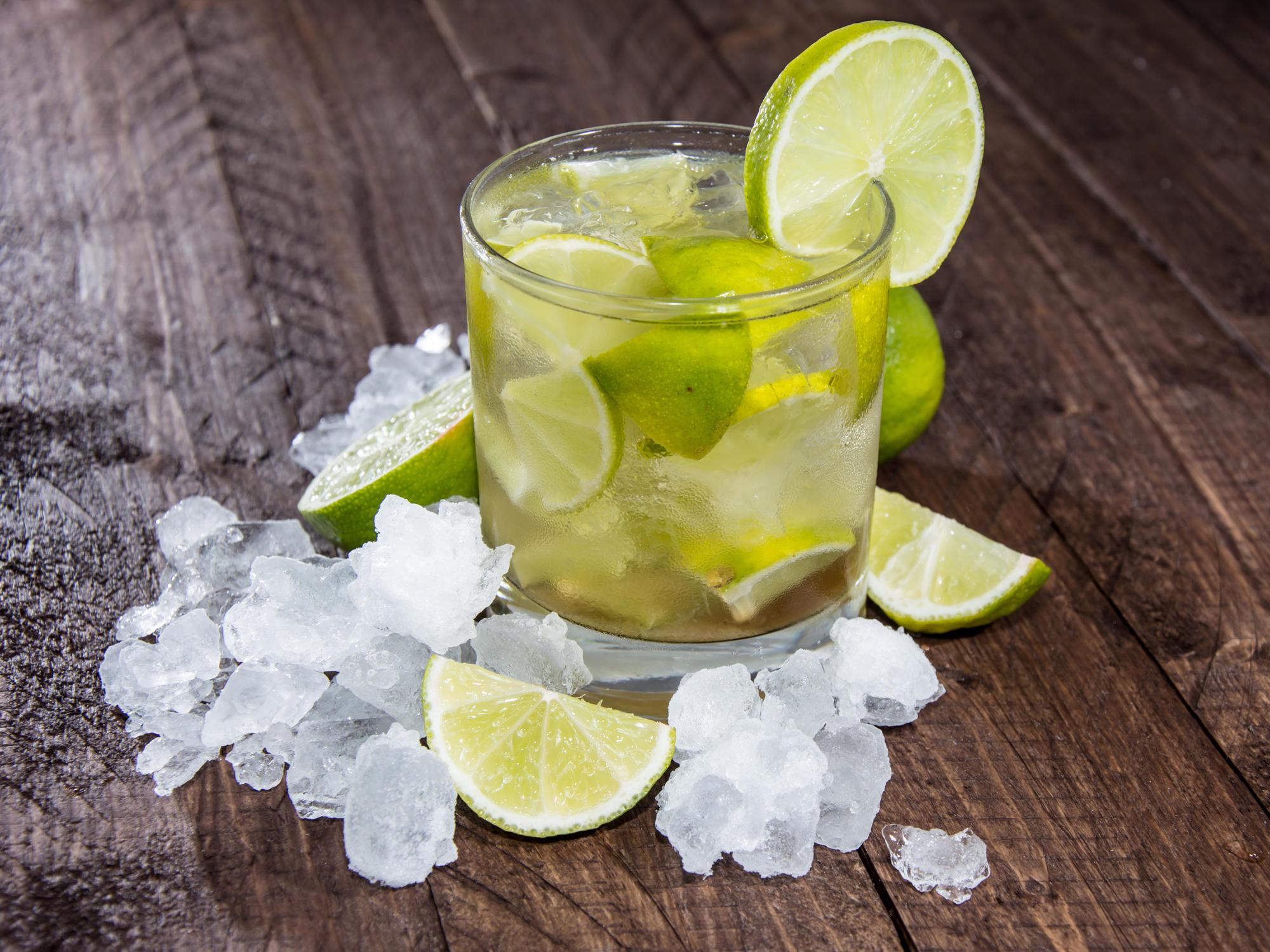 Caipirinha cocktail  Caipirinha: Wir haben das beste Rezept | BRIGITTE.de