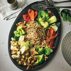 Buchweizen-Nudel-Salat mit Seidentofu