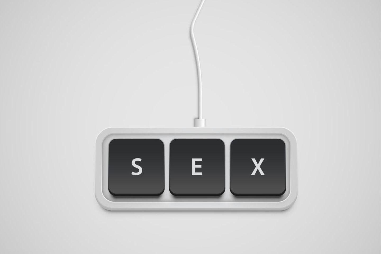 Frauen, die gemeinsam Pornos anschauen