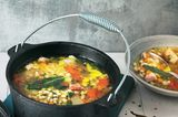 Bohneneintopf mit Paprika und Speck