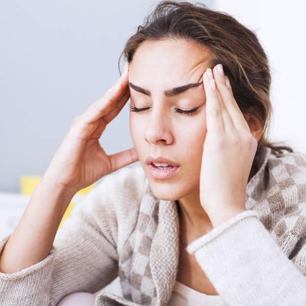 Kopfweh durch emotionalen Schmerz