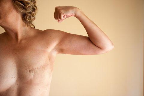 Tattoos des Künstler David Allen auf Brustwarzen nach Krebsdiagnose