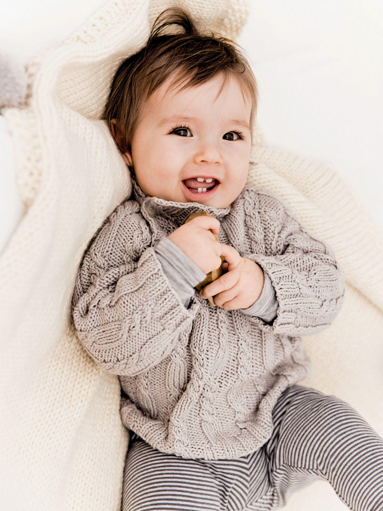 raglan pullover f rs baby stricken so geht 39 s. Black Bedroom Furniture Sets. Home Design Ideas