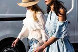 Jeanslooks aus Mailand: Jeanskleid mit Cut-Outs