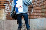Jeanslooks aus Mailand: Jeansjacke mit Applikationen