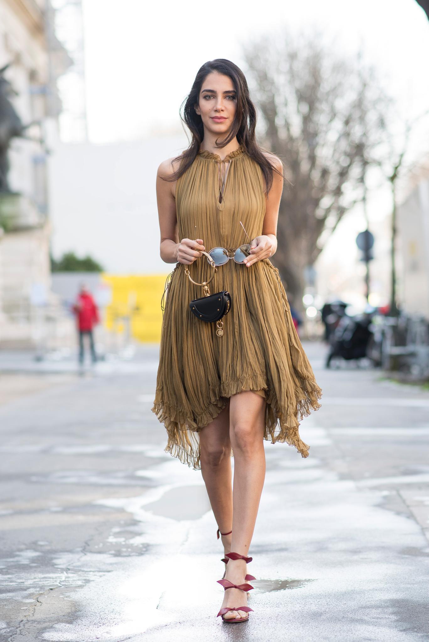 Die schönsten Streetstyles, die Lust auf Frühling machen: Rüschen-Kleid