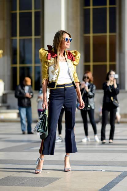 Die schönsten Streetstyles, die Lust auf Frühling machen: Rüschen-Jacke