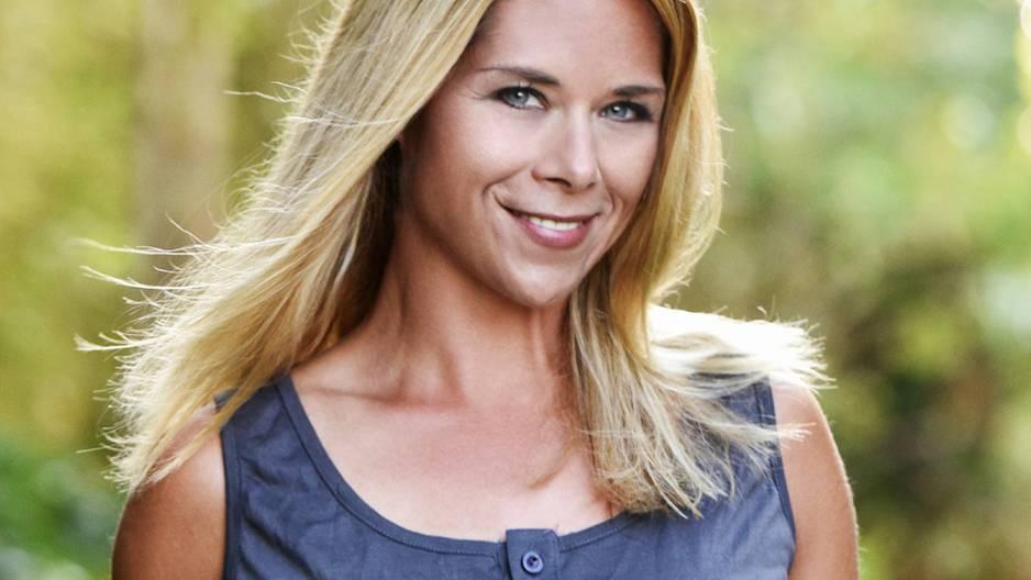 SO will Tanja Szewczenko die Sportler aufs Glatteis führen!