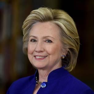 Hillary Clinton mit alter Föhnfrisur