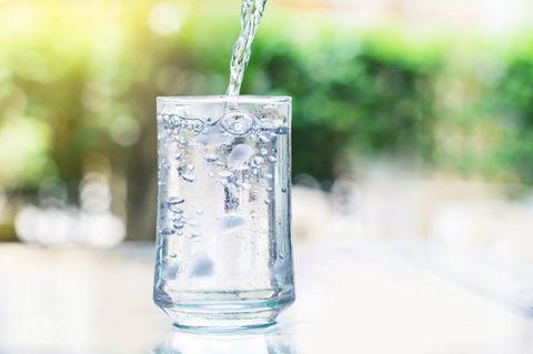 Produkt-Rückruf! Scherben in Mineralwasser gefunden