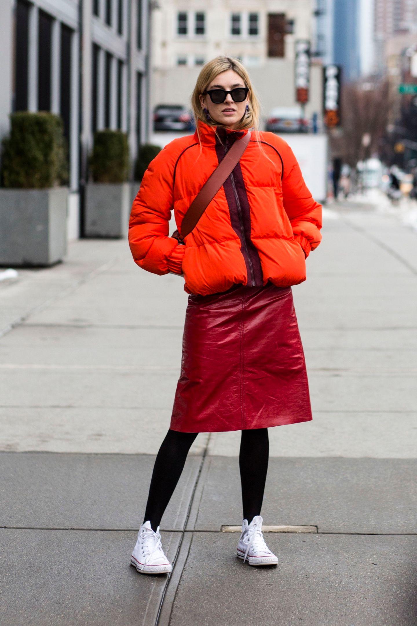 Rot! Streetstyle-Look für kühlere Tage