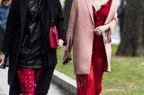 ROT! Sieht toll zu einem beige-rosa Mantel aus