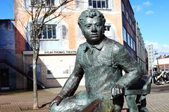 Dylan Thomas Statue in Swansea