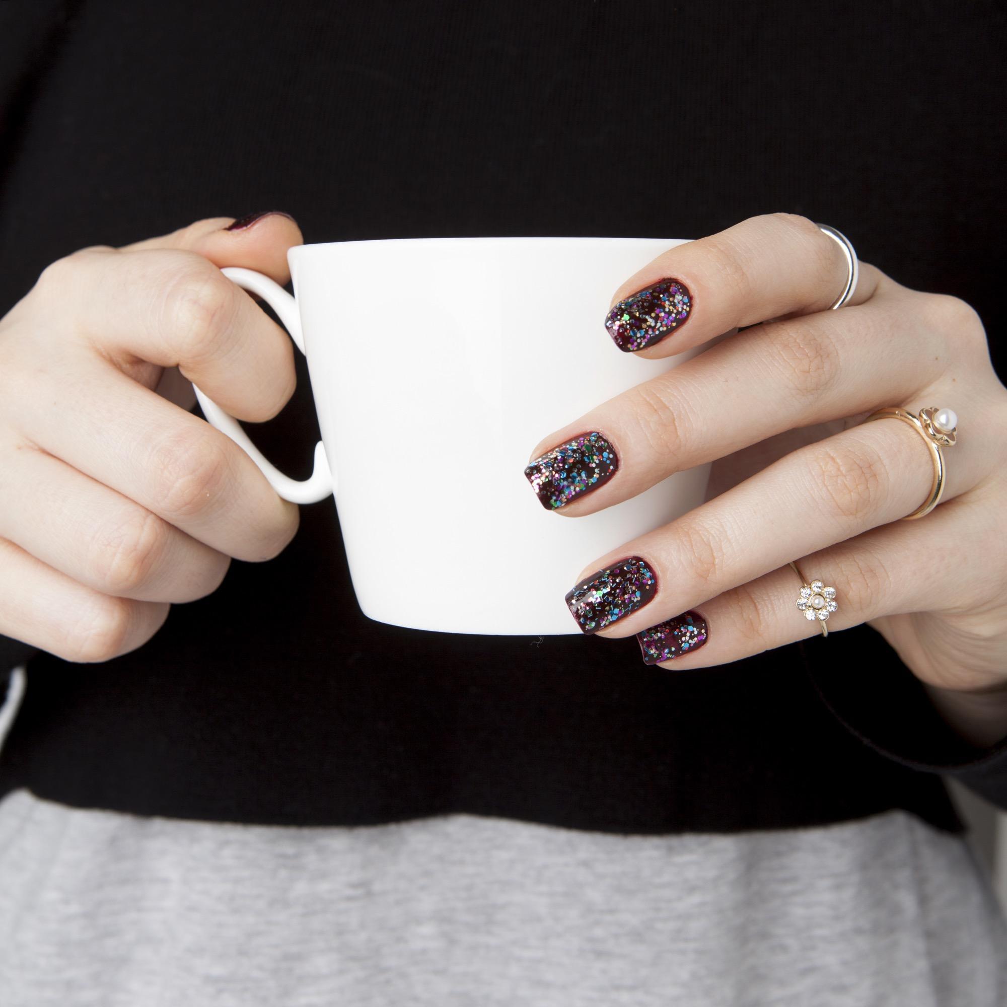 Brüchige Fingernägel? DAS hilft wirklich dagegen | BRIGITTE.de