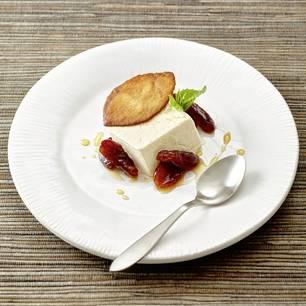 Lavendelblütensirup mit Vanille, Aprikosen und Krokant