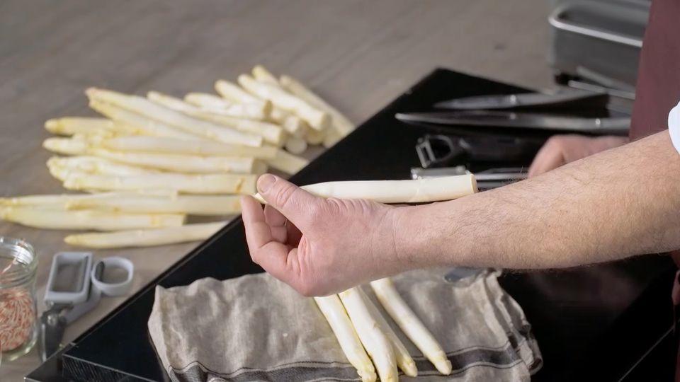 Weißen Spargel zubereiten