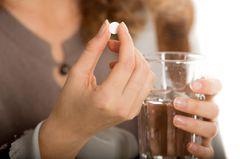 Diese beliebte Kopfschmerz-Tablette solltest du lieber nicht nehmen