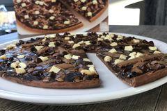Neu: Es gibt jetzt SCHOKO-PIZZA im Tiefkühl-Regal!