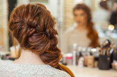 Abiballfrisuren: Geflochtene offene Haare