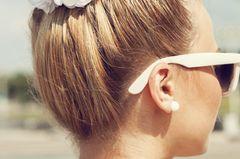 Abiballfrisuren: Hochsteckfrisur oben blond