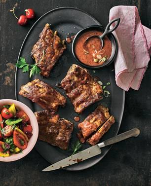 Grillrezept für Schweinerippchen mit Kirschen