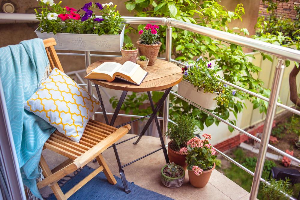 Der Frühling ist da! ? Hier gibt's die besten Tipps für einen grünen Balkon