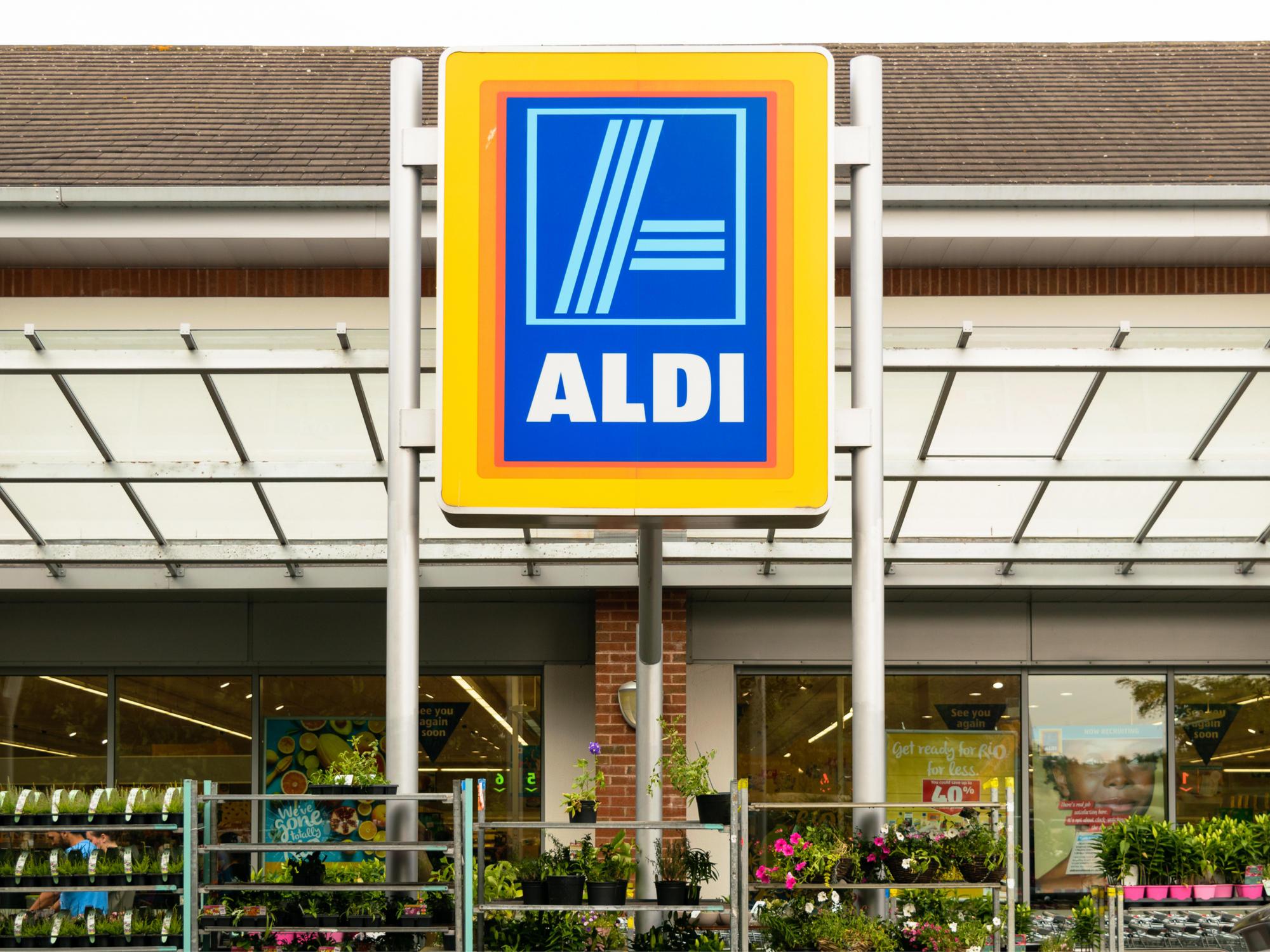 aldi verkauft gartenmöbel: top-angebote für den frühling | brigitte.de