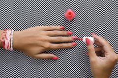 Nägel lackieren – Tricks für Maniküre und Pediküre