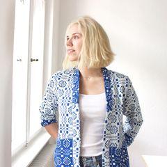 """Nachdenken, weniger shoppen, glücklicher sein: Die Bloggerin Anuschka Rees hat mit dem """"Kleiderschrank-Projekt"""" eine Methode entwickelt, um dem eigenen Stil auf die Spur zu kommen."""