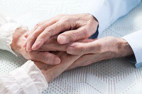 Ehepaar stirbt nach 71 gemeinsamen Jahren innerhalb von nur vier Minuten