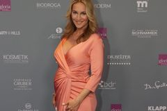 Caroline Beil (50): Wow, was für eine Babykugel!