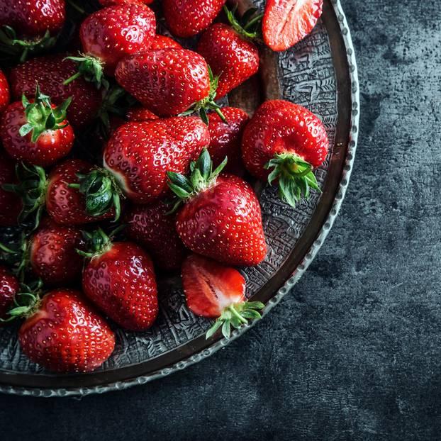 kochtipps erdbeeren lagern und zubereiten. Black Bedroom Furniture Sets. Home Design Ideas