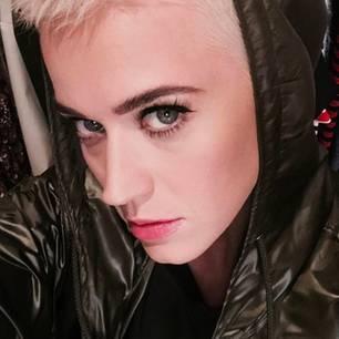 Katy Perry hat eine neue Frisur