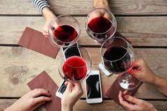Mein Freund trinkt keinen Alkohol mehr: Rotwein-Gläser