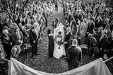 Nancy Borowick bei ihrer Hochzeit mit ihren beiden Eltern