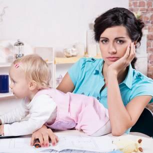 """Mütter und Burnout: """"Das Wellness-Wochenende reißt es nicht raus!"""""""